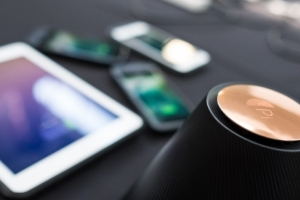 Pi Unveils World's First Contactless Wireless Charging Solution